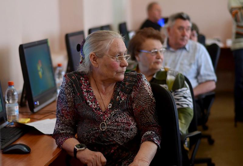 Обучение пенсионеров на ПК